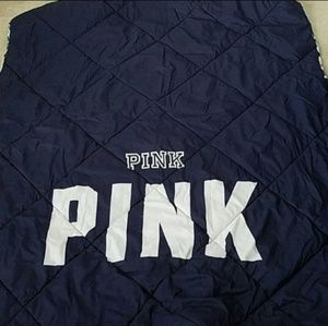 VS PINK EXTREMELY RARE FLORAL REVERSIBLE COMFORTER